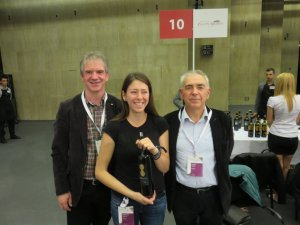 Chris Alblas (l) met Alexandra en Blagoy Rousseva van Orbelus